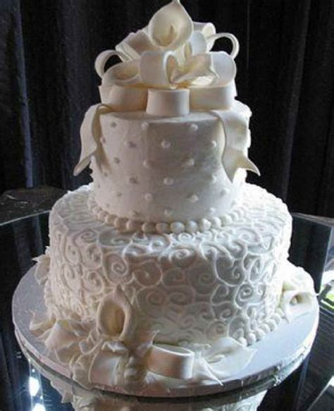 Wedding cake on Pinterest   Two Tier Cake, Wedding cakes