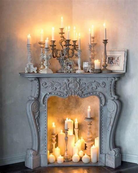 candele da arredamento camino illuminato da candele arredamento shabby