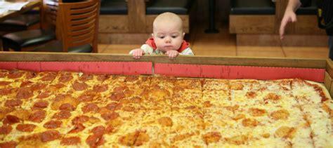 big pizza how big is the world s largest deliverable pizza robert kaplinsky
