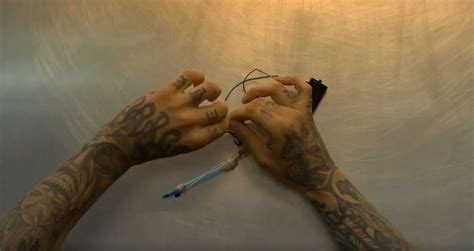 tattoo gun make your own this is how inmates make tattoo guns in prison