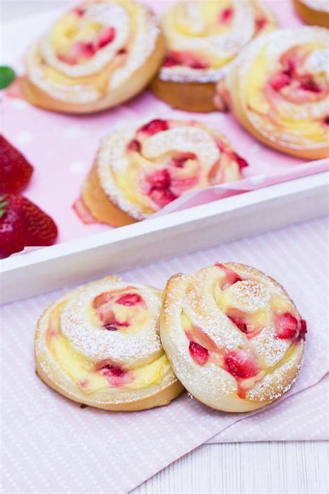 erdbeer vanillepudding kuchen verzuckert seite 3 26 ein kleiner feiner food und