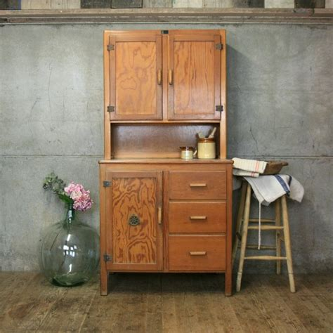 green stained pine cabinets cabin ideas pinterest best 25 pine kitchen cabinets ideas on pinterest
