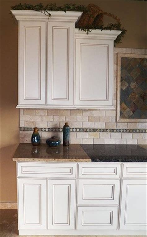 Glazed Cabinets Out Of Style by 57 Best Images About Backsplash On Custom