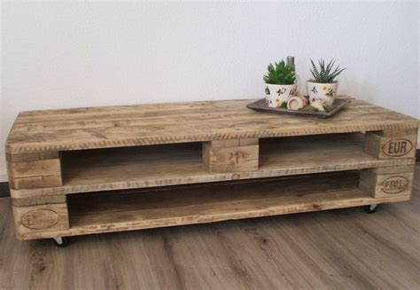 paletten schrank 1000 ideas about tv schrank on tv schrank