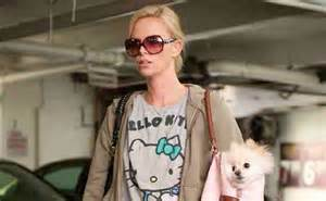 Young Adult 2011 Movie Review Young Adult With Charlize Theron And Patton Oswalt Booth Reviews