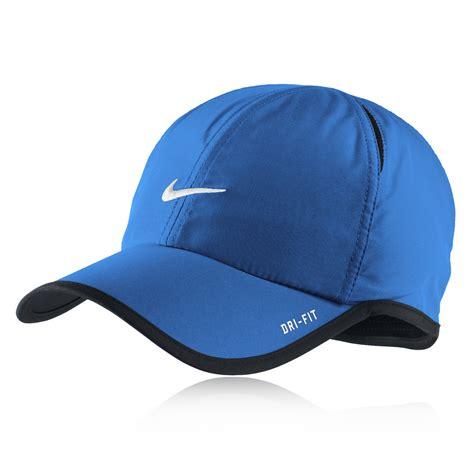 Nike Feather Light Cap by Nike Feather Light Cap Sportsshoes