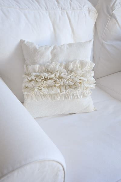 Ruffle Pillow Tutorial by Ruffle Pillow Tutorial Pillows And Rugs