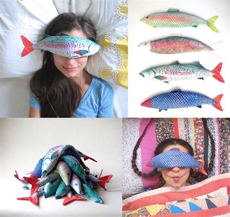 Bantal Leher Dengan Masker Mata Earplug lelah seharian bantal mata bentuk ikan ini akan buatmu rileks kabar berita artikel