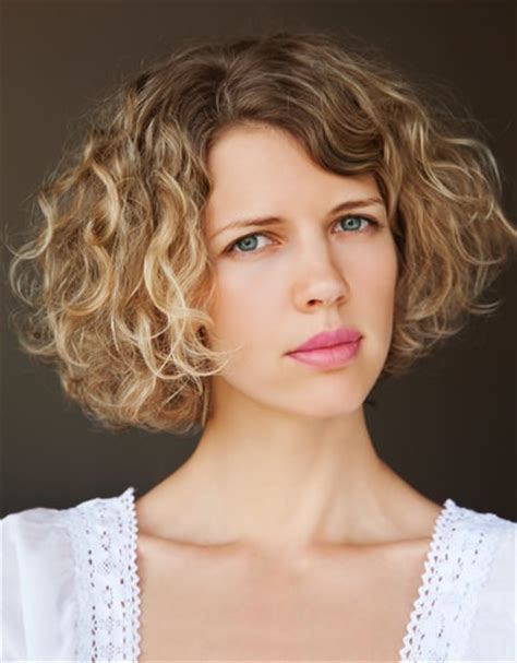 do short blunt curly haircuts look good on heavy women the best bob haircut for curly hair hair world magazine