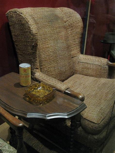archie bunker chair www imgkid the image kid has it