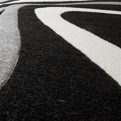 teppich in weiß teppich schwarz wei grau top lufer teppich trendig modern