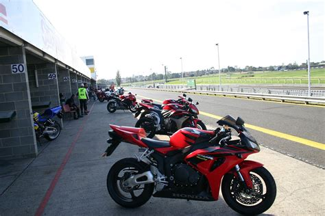 Motorrad Anmelden Kein T V by Honda Fireblade Motorrad Wiki Fandom Powered By Wikia