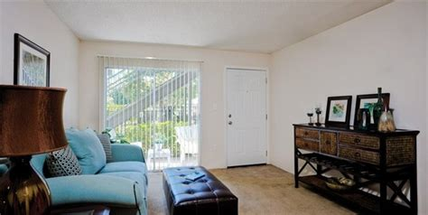 Pete City Living Room Tamarind Bay Apartments Rentals Petersburg Fl