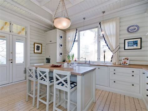 white galley kitchen ideas 25 best ideas about white galley kitchens on