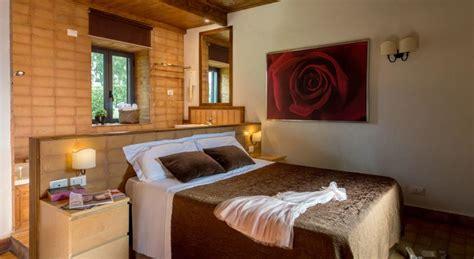 suite con idromassaggio in roma vicino a roma sul lago di bracciano hotel 4 stelle con