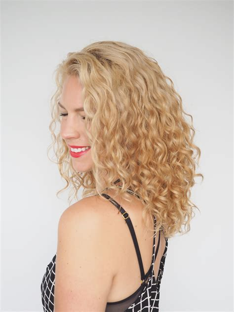 janine butcher curly hair book review of 30 days of curly hairstyles by christina