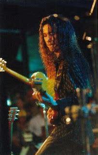 Terbaik Senter Uv 9 Led guitarist biografi tjahjo wisanggeni