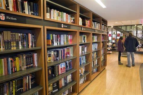 libreria universita brown bookstore reopens following renovations