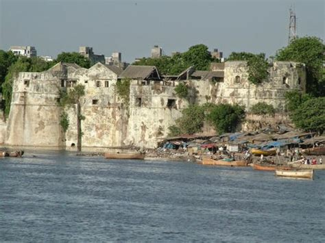 time in surat fort in surat history of india