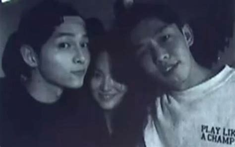 yoo ah in song song wedding yoo ah in song hye kyo and song joong ki show off close