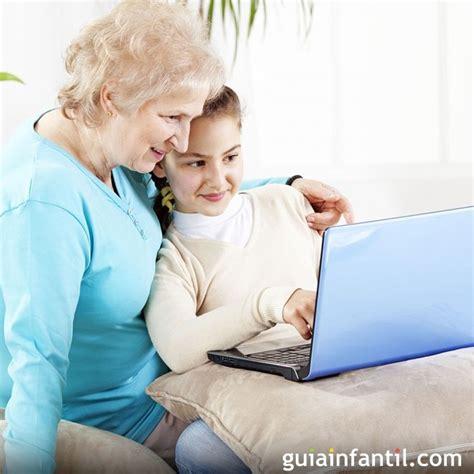 abuelos en el toylet los abuelos aprenden a usar las nuevas tecnolog 237 as con sus