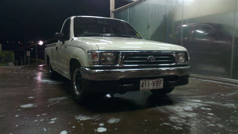 Darlings Toyota 2000 Toyota Hilux Rzn149r For Sale Or Qld