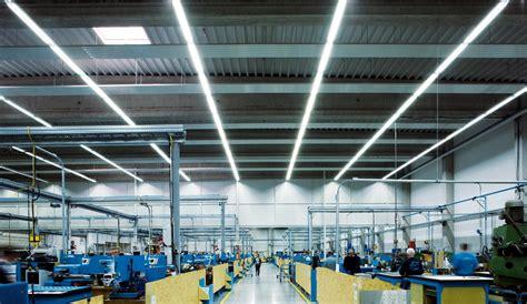 beleuchtung industrie industriehallen lagerhallen hallenbeleuchtung trilux