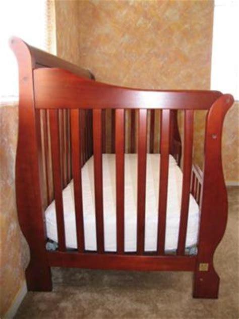 Simplicity Baby Crib by Simplicity Crib Parts