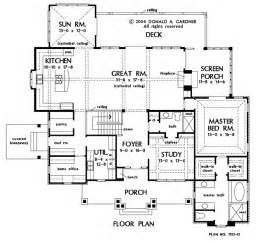 hard to find floorplans with no formal dining room id kill the screen porch behindbthe master
