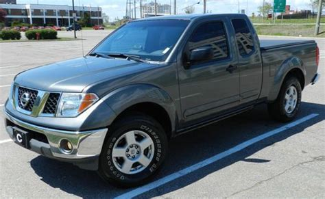 find used 2006 nissan frontier se king cab 4wd damaged salvage low miles priced to sell in buy used 2006 nissan frontier se king cab pickup 4 0l v6 in dorval quebec canada for us 8 500 00