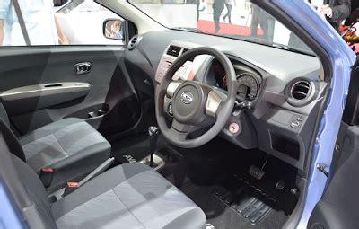 Cover Mobil Ayla Daihatsu Ayla Warna Polos Sesuai Ukuran kelebihan kekurangan daihatsu ayla mobil lcgc pertama di indonesia autogaya
