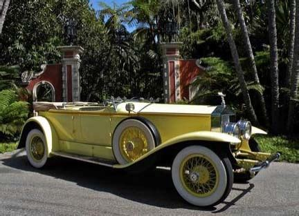 yellow rolls royce great gatsby wealth extravagance luxury cars and the great gatsby