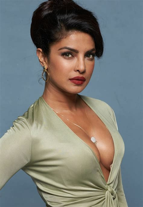 baywatch actress name and photo bold hot n sexy priyanka choprs baywatch priyanka chopra