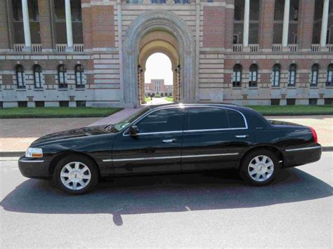 Town Car Service To Airport by Airport Transportation Service Town Car Service Houston
