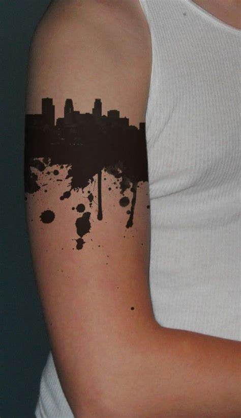 nyc tattoo pinterest best 25 skyline tattoo ideas on pinterest usa cities
