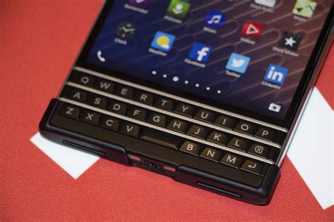 the blackberry shell adds and easy