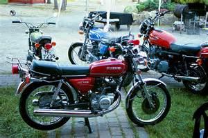 Suzuki Motorcycles 125 1977 Suzuki Gt 125 Pics Specs And Information