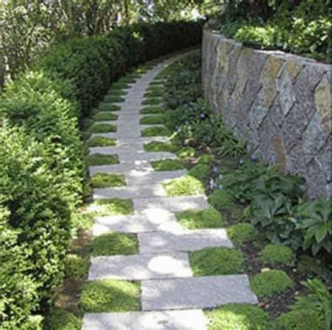 Cheap Ideas For Garden Paths 25 Best Ideas About Stepping Paths On Pinterest Path Stepping Walkways And