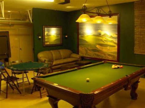 garage billiard room picure