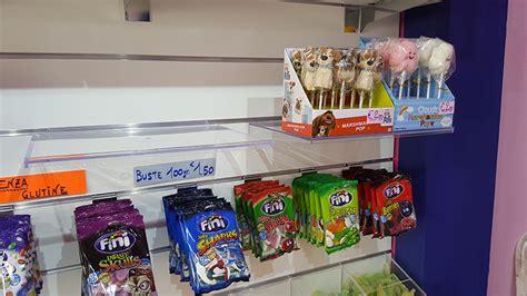 negozi arredamento pavia arredamento negozio di caramelle pavia arredo negozio