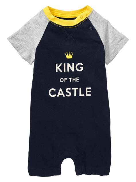 One 07 Raglan babygap is getting ready for the new royal strolling