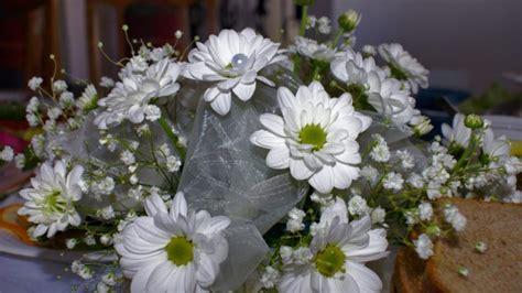 fiori per comunione fiori per la prima comunione idee e consigli come scegliere