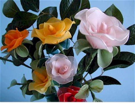fiori fatti con le calze fiori in maglia per calze