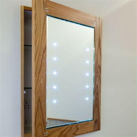 Badezimmer Spiegelschrank Mit Beleuchtung Holz by 44 Modelle Spiegelschrank F 252 Rs Bad Mit Beleuchtung