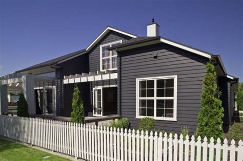 linea weatherboard in black like the darker colour vs