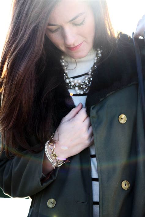 Classy Girls Wear Pearls: All in the Trench