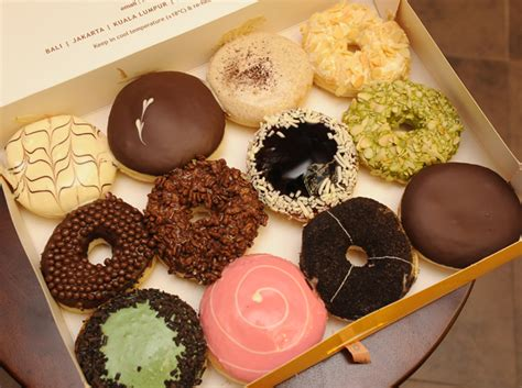 J Co Donuts And Coffee j co donuts coffee opens its 12th store cosmo ph