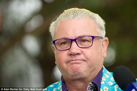 haircuts geelong how geelong mayor darryn lyons went from paparazzo to
