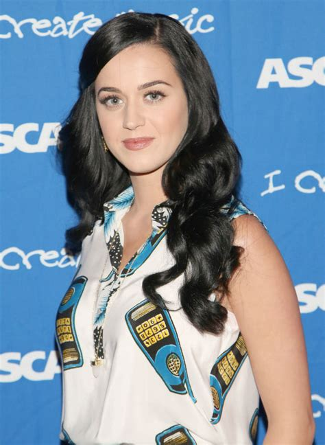 katy perry biography esl katy perry seeing heartbreak coach to get over russell