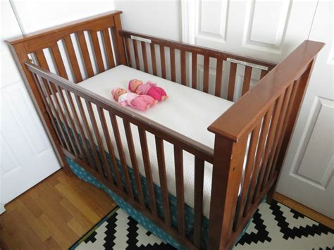 Lullaby Cribs by Lullaby Earth S Crib Mattress